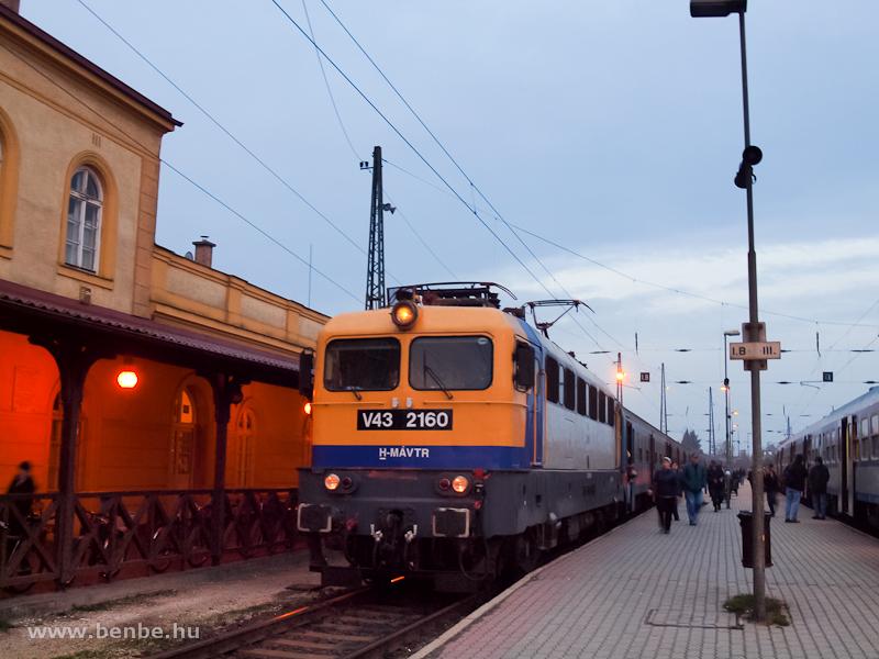 V43 2160 Vácott fotó