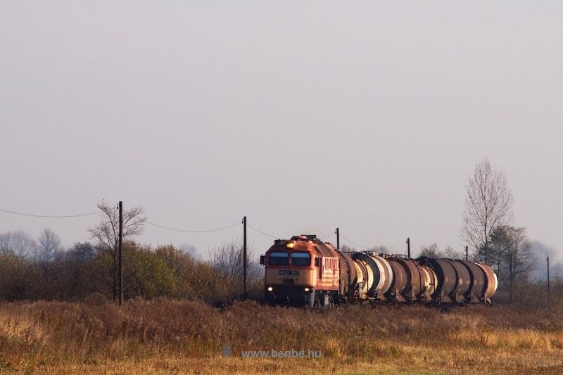 A MÁV-Trakció M62 157-ese egy tartályvonattal Vadna és Dubicsány között fotó