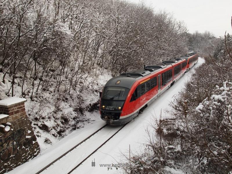 Csajági kereszt után a 6342 029-3 indult a Balaton felé egy személyvonattal fotó