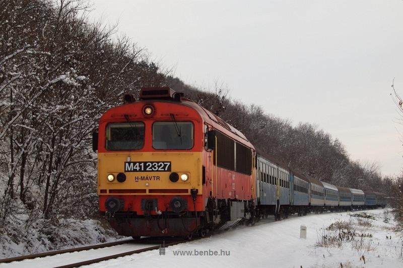 The M41 2327 between Balatonakarattya and Balatonkenese-Üdülőtelep photo