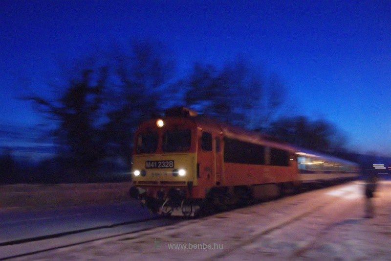 The M41 2328 at Balatonkenese station photo