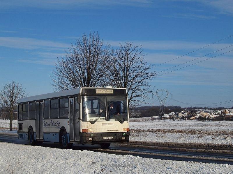 A Balaton Volán Ik415 autóbusza Zirc mellett fotó