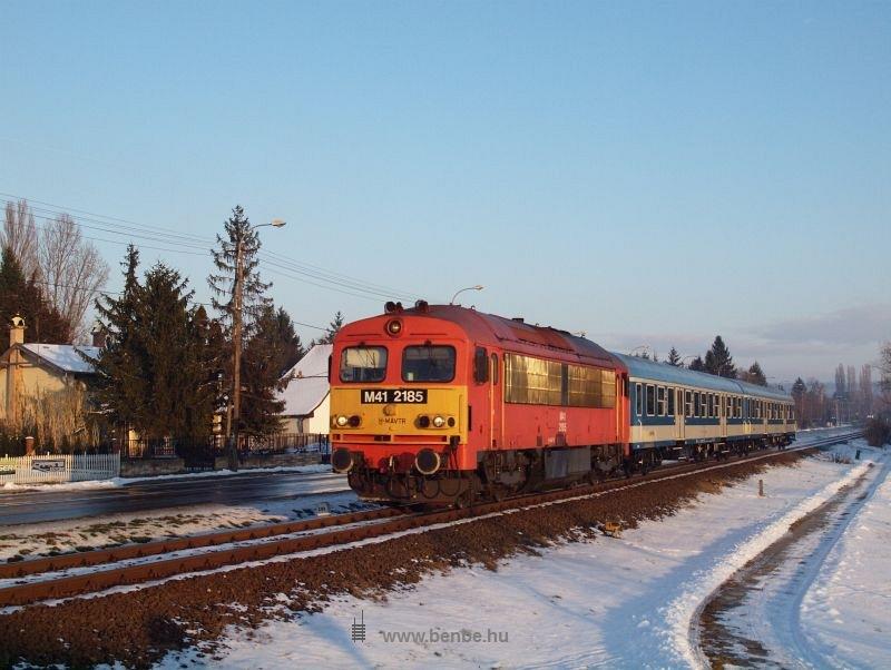 The M41 2185 at Balatonkenese photo