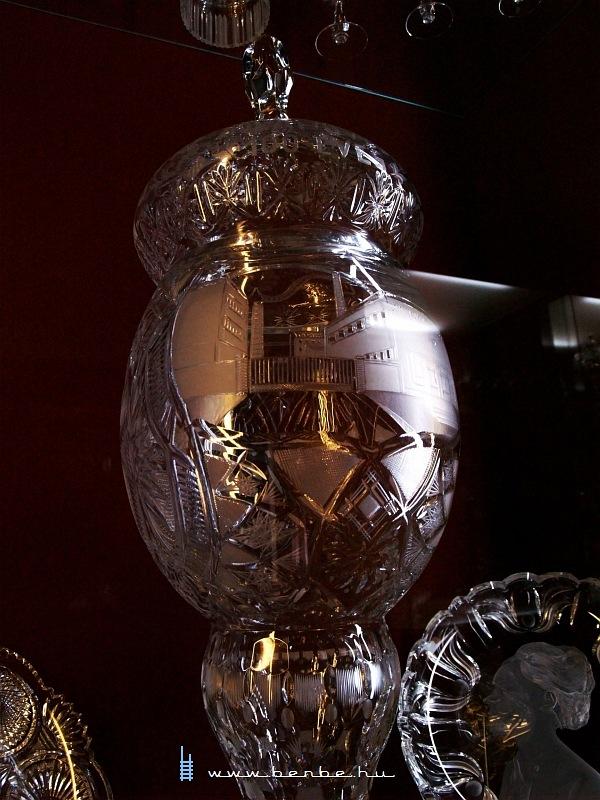 Az Ajkakristály múzeumában fotó