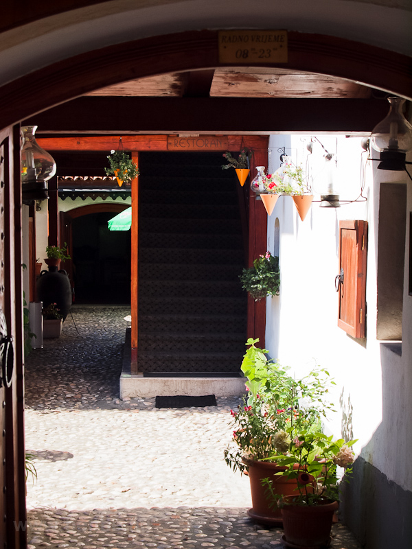 Szarajevo - éttermek a Bascarsiján fotó