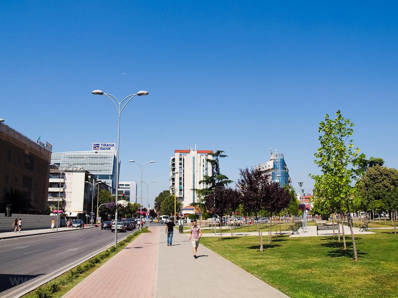 Tirana, Szkander bég tér fotó