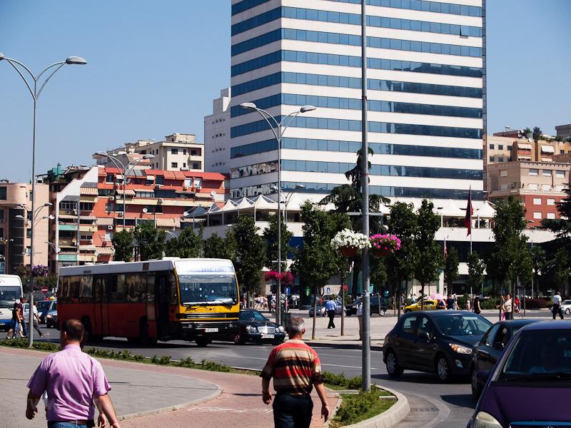 Busz Tiranában fotó
