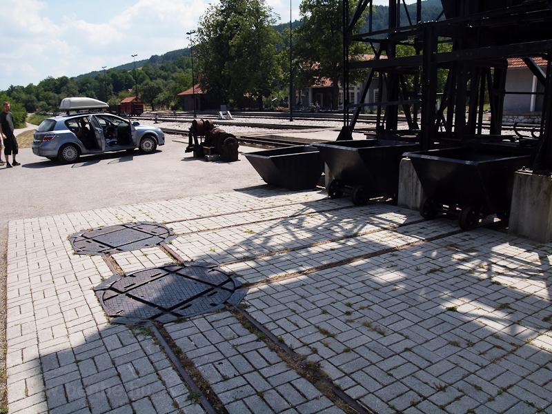 A szénszerelő kutyapályái Šargan-Vitasi állomáson fotó