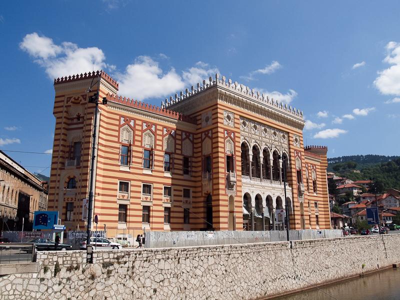 Szarajevo - a Nemzeti Könyvtár fotó