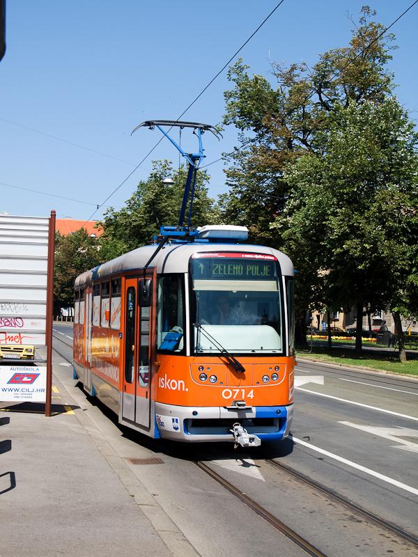 Tatra T3YU villamos Eszéken fotó