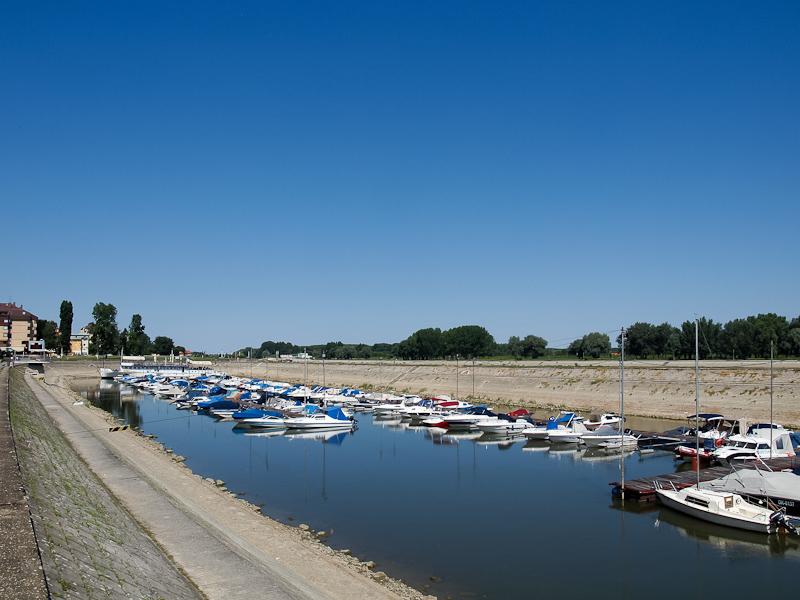Eszék, kikötő (Osijek) fotó