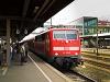 A DB AG 111 174-9 Regensburg Hauptbahnhofon egy Silberling-ingavonat élén