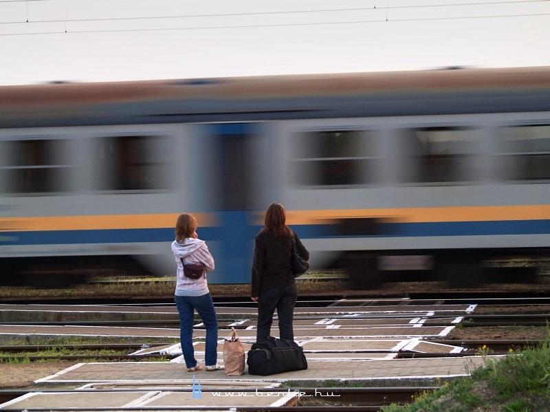 Lányok Aszódon fotó