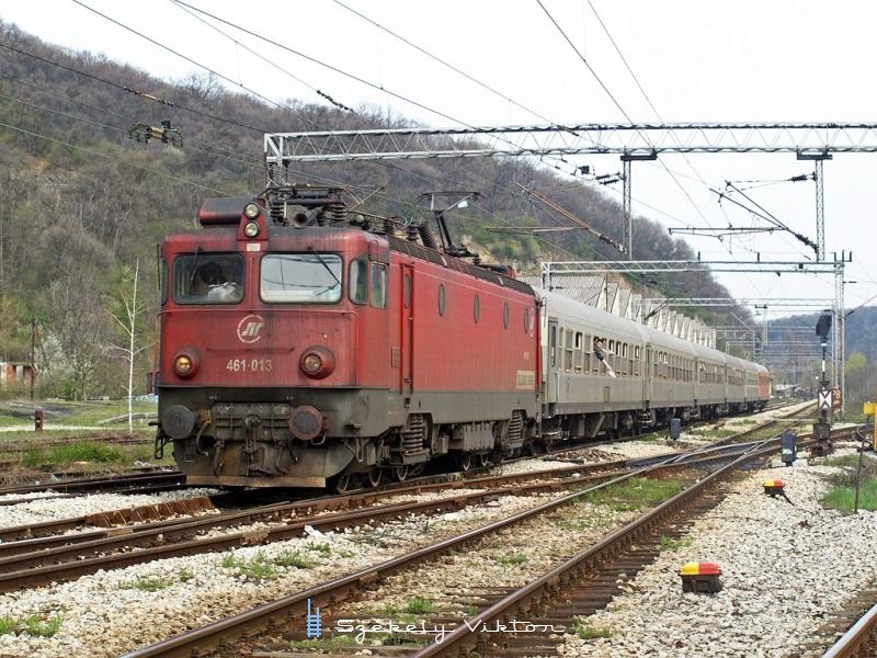 461-013 a Tara gyorsvonattal Topcider és Rakovica között fotó