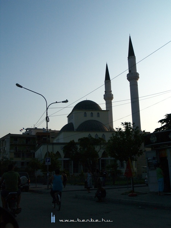 Mecset Skhoderben fotó