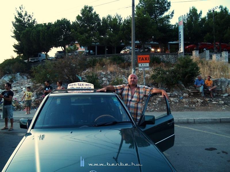 Taxis Lezhében fotó