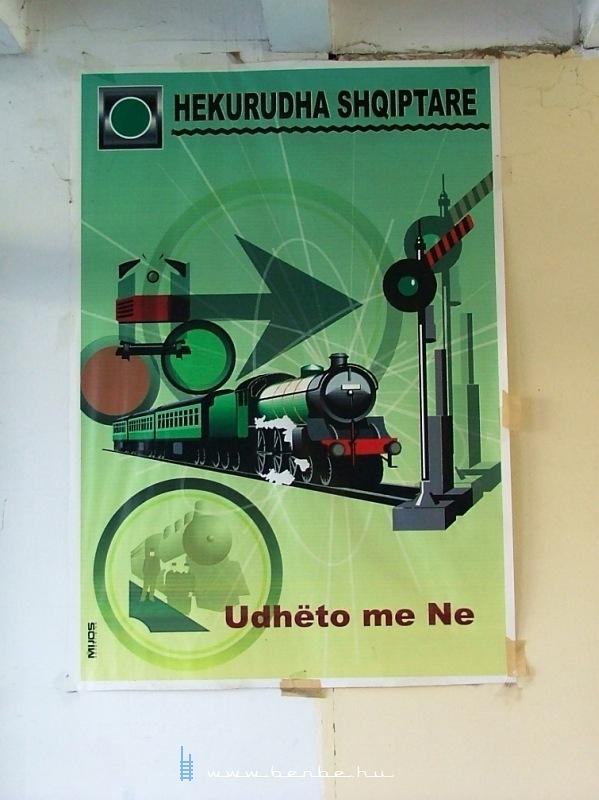 Ambíciózus történelmet hirdetõ plakát Dürresben fotó