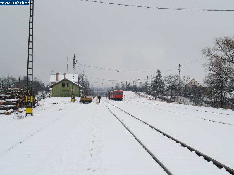 Diósjenõ állomás a hóban fotó