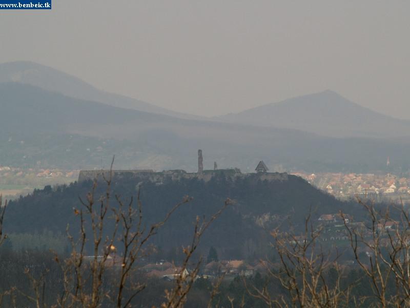 A nógrádi várra egy magasles kínálja az eszményi rálátást fotó
