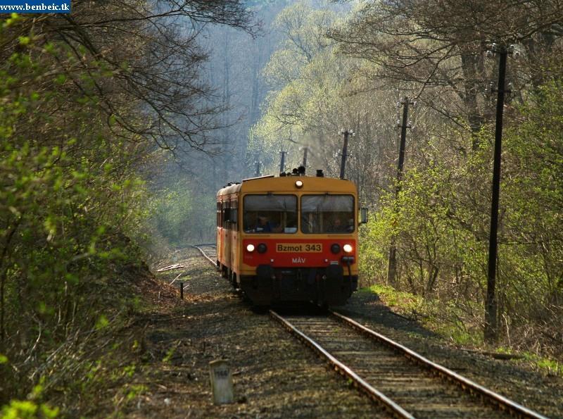 Bzmot 343 érkezik Szokolya felõl fotó