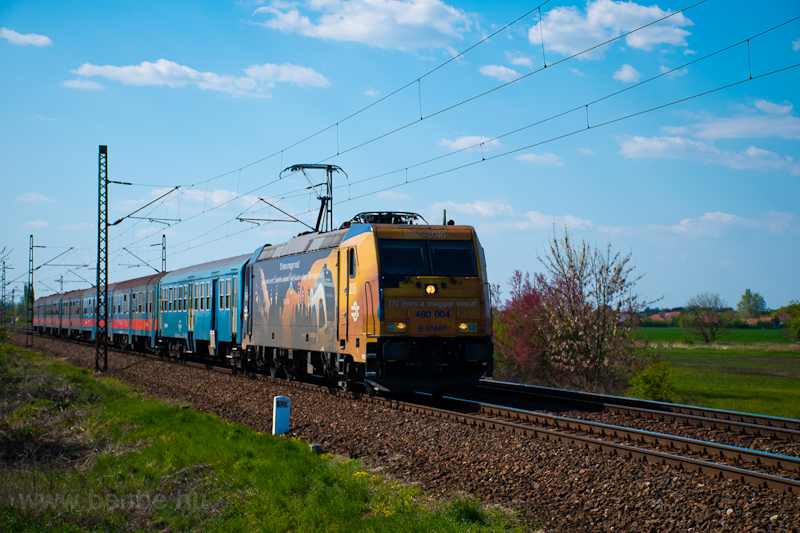 The MÁV-START 480 004 seen  picture