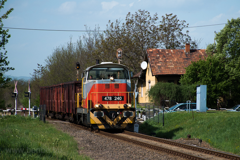 The MÁV-START 478 240 seen  photo