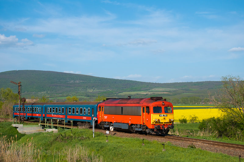 The MÁV-START 418 115 seen  picture