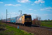The MÁV-START 480 004 seen between Tápiógyörgye and Újszász