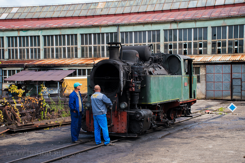 The Banovići Coal Mines of Bosnia-Herzegovina 25-30 seen at Banovici depot where they were cleaning the smokebox and the tubes photo