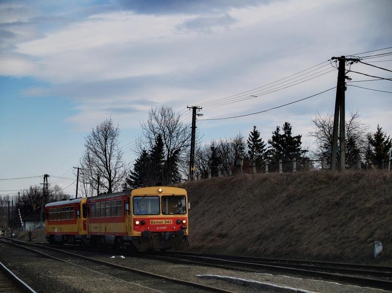 Bzmot 342 érkezik Diósjenõre Balassagyarmatról fotó