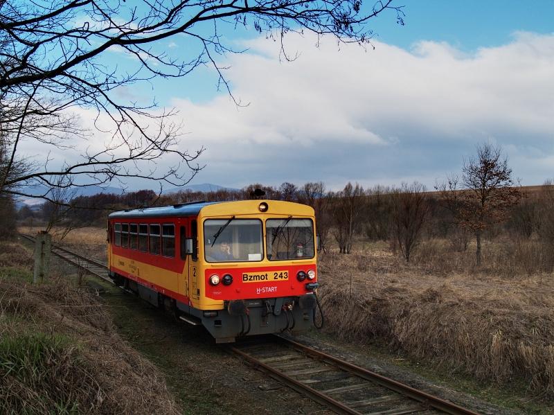 The Bzmot 243 between Diósjenõ and Tolmács photo