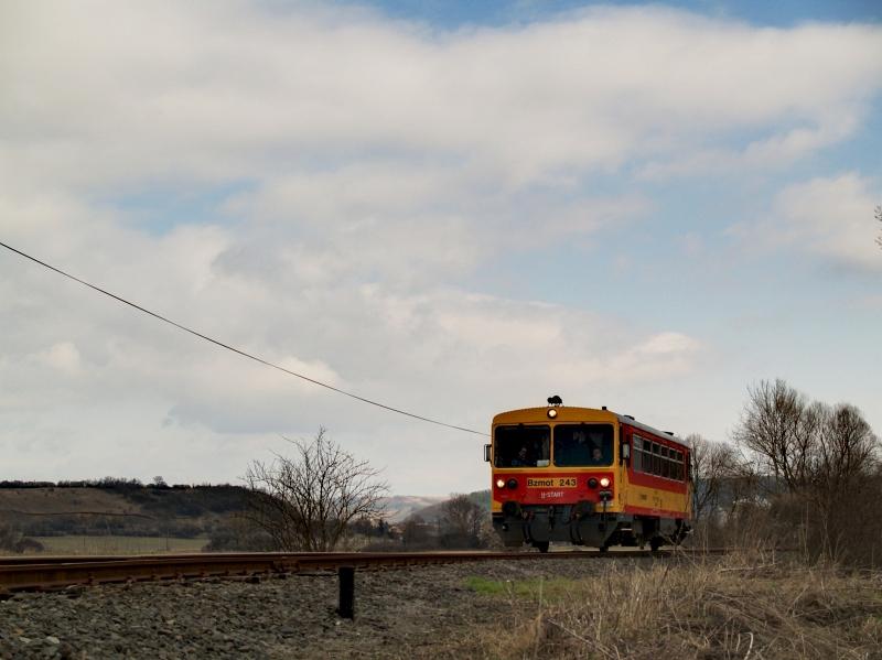 Bzmot 243 Romhány és Bánk között fotó