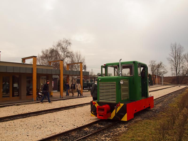 A Nagybörzsönyi Erdei Vasút C50 3756 pályaszámú kismozdonya a Királyréti Erdei Vasúton a paphegyi felújítása alkalmából rendezett fotósvonaton Kismaros állomáson fotó