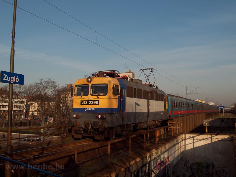 A MÁV-TR V43 2299 Zuglóban fotó