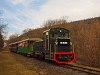 A Királyréti Erdei Vasút Mk48 2014 pályaszámú mozdonya egy, a télhez képest combos szerelvénnyel Morgó és Kismaros között