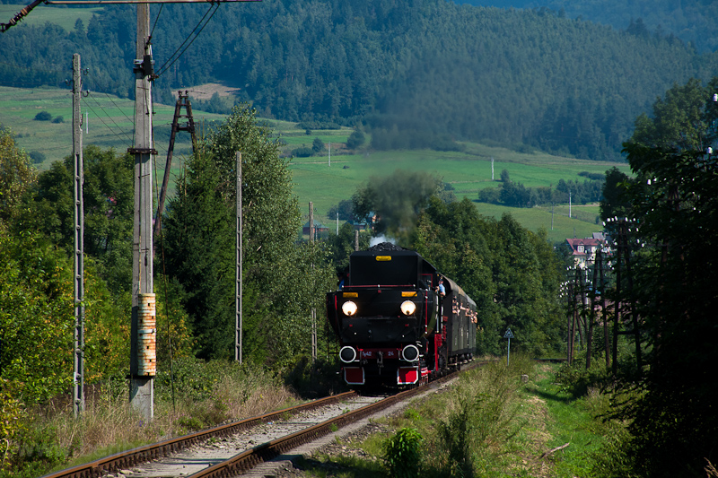 The PKP Ty42 24 seen betwee photo