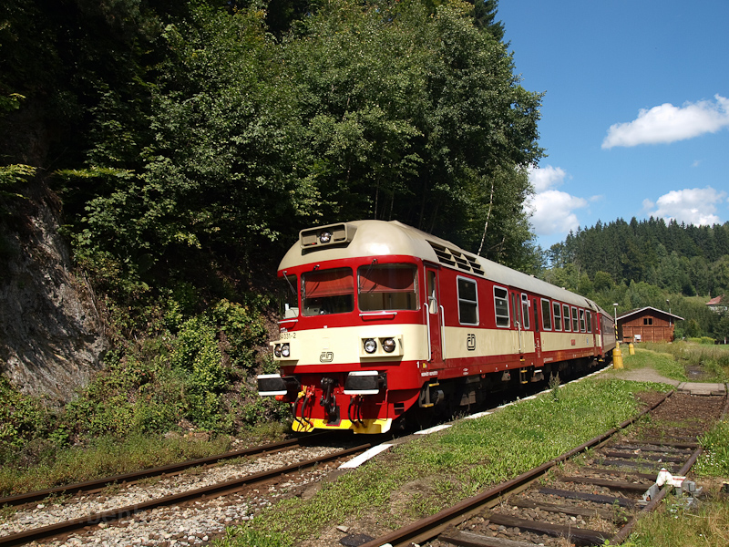 The ČD 854 031-2 seen at Jesenny photo