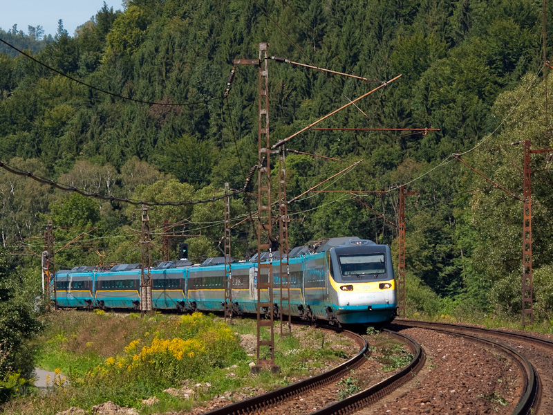 "The ČD 681 002-2 ""Pend picture"
