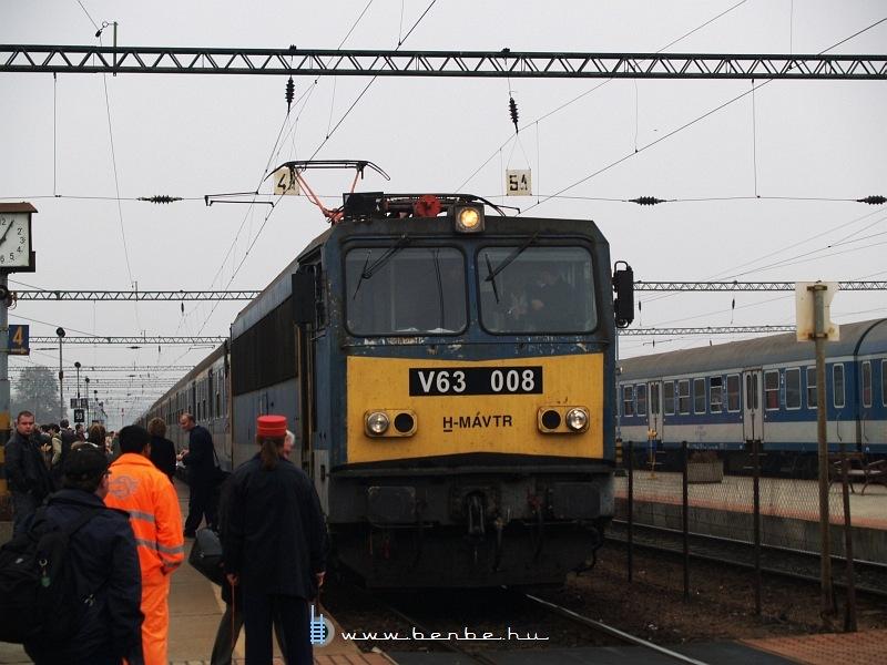 V63 008 Dombóváron fotó