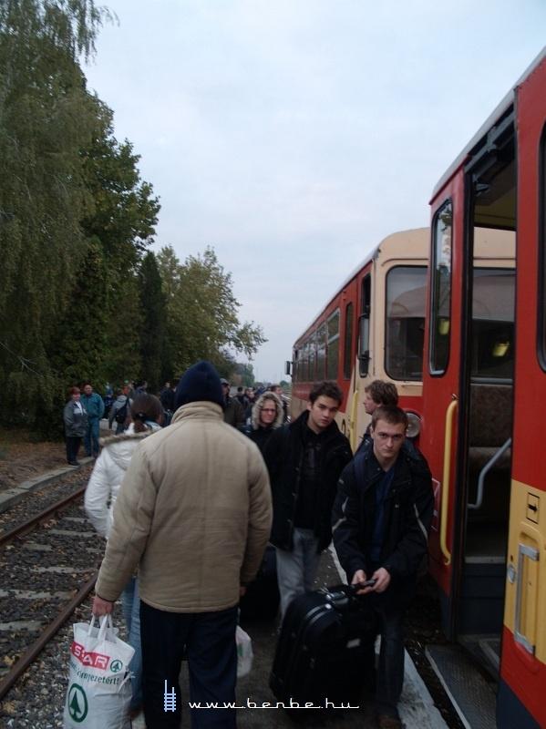 Utasok Szarvason fotó