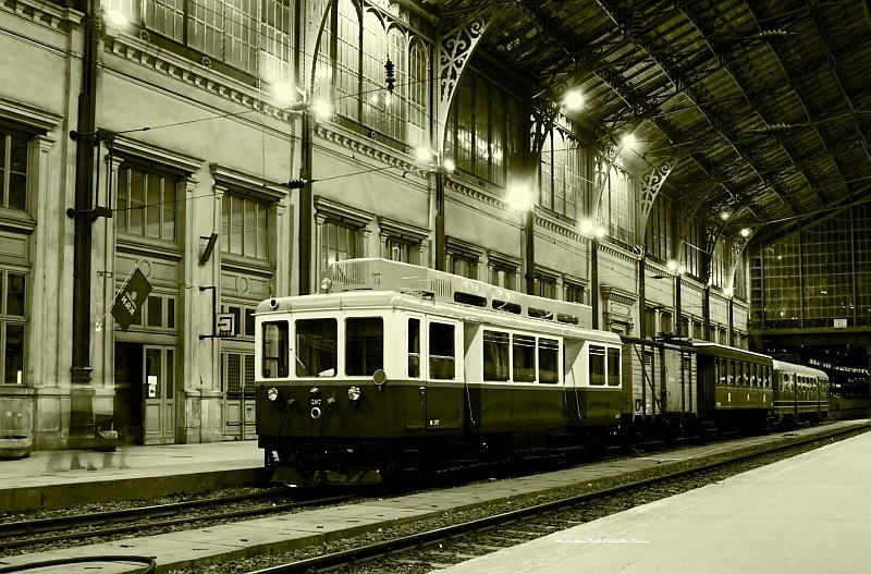 Az ACSEV-nek gyártott Boros Béni motorkocsi a Nyugati pályaudvaron fotó