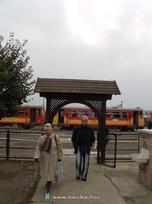 Utasok Mezõhegyesen fotó