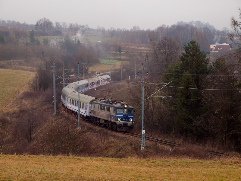 The PKP InterCity EU07 302  picture