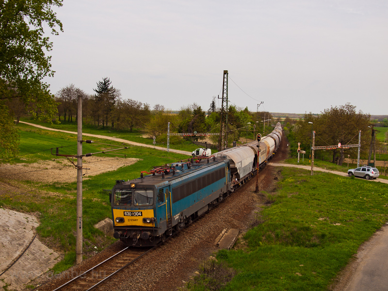 The MÁV-START 630 004 seen between Ötvöskónyi and Somogyszob photo