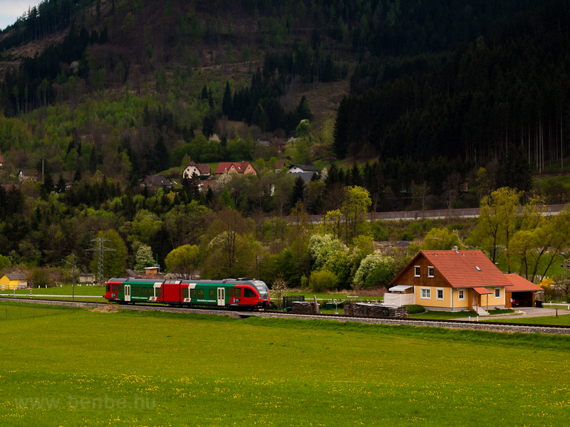A Steiermärkische Landesbahnen 4062 002-2 Guggenbach Warthkogelsiedlung Bahnhof és Übelbach Vormarkt Bahnhof között fotó