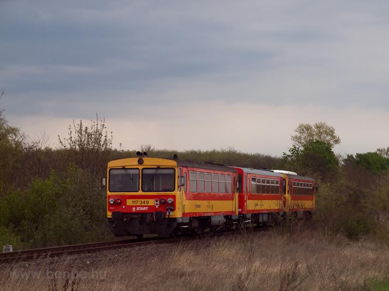 A MÁV-START 117 349 Seregélyes-Szőlőhegy és Zichyújfalu között fotó