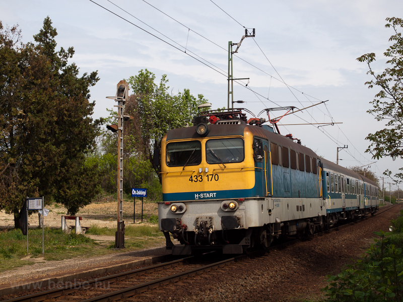 The MÁV-START 433 170 seen at Ötvöskónyi photo