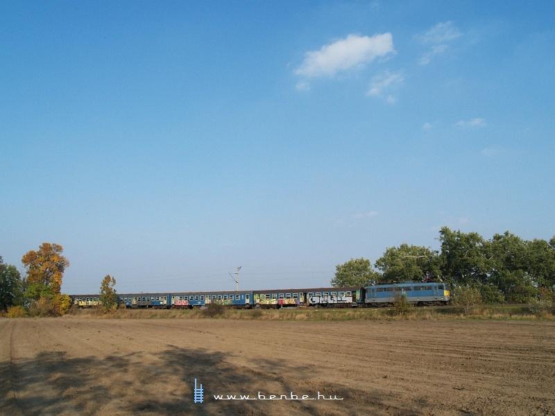 Ingavonat Kiskunlacháza és Délegyháza között fotó