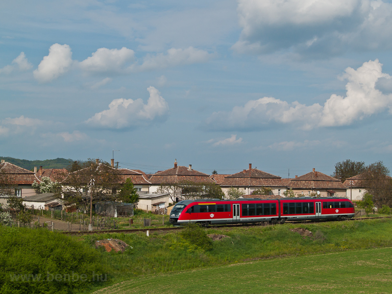 On the way home: the 6342 014-5 seen between Szécsény and Hugyag photo