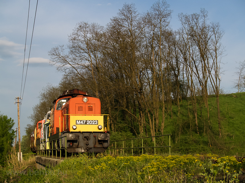 Locomotive train with M47 2023, M32,2040, M44 509 and Bzmot 340 between Őrhalom and Balassagyarmat photo